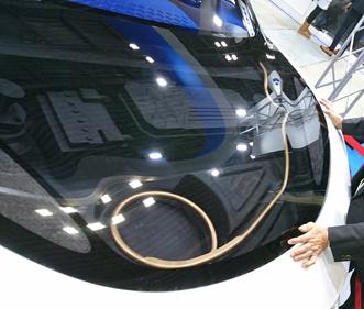 東洋紡株式会社コンセプトカーへ搭載した三次元サクションブロー成形品
